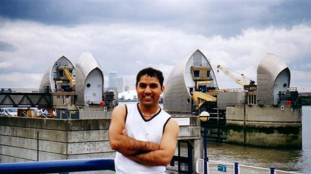 ROBIN IN FRONT OF THAMES BARRIER, LONDON