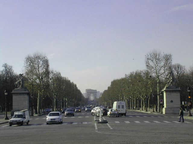 A views from champs Elyées5