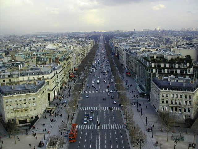 A views from champs Elyées3